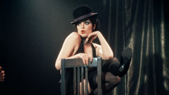 Liza Minelli performing in a cabaret